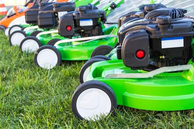 Lawn mower service in Tarleeton